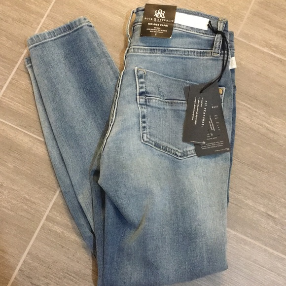 Rock & Republic Denim - Rock & Republic Mid Rise Capri
